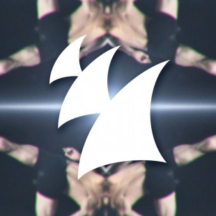 Bassjackers & Thomas Newson – Wave Your Hands (Official Music Video)