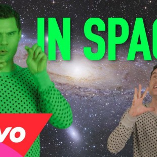 High Fives: Videos in Space (Ariana Grande, Katy Perry, Miley Cyrus, Kanye West, Future…